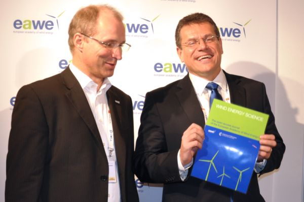 Editor-in-chief Jakob Mann and EC Vice President Maroš Šefčovič with the cover of Wind Energy Science at EWEA 2015 conference in Paris